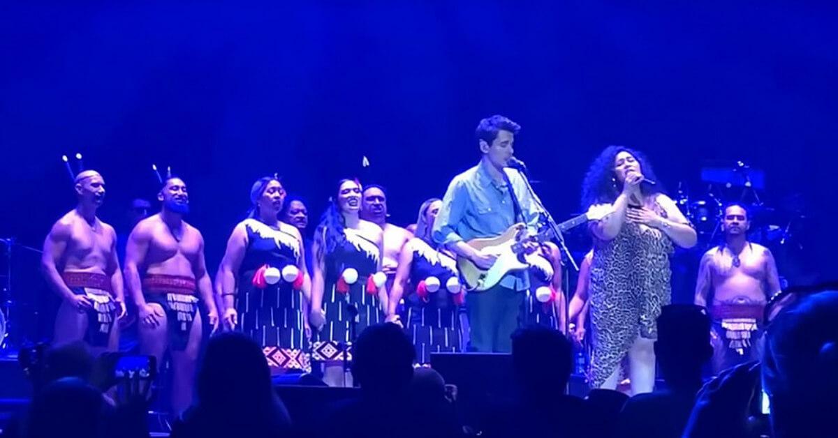 "John Mayer singing ""How Great Thou Art"" at his Christchurch Show on Tour"